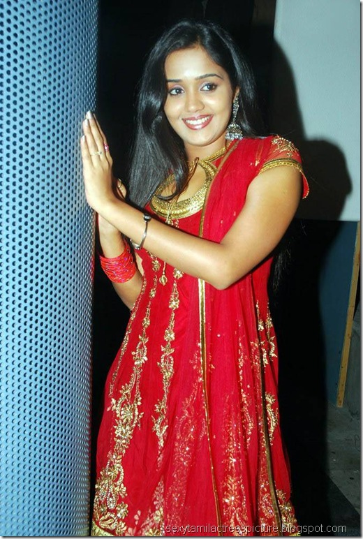 gorgeous-actress-ananya-hot-in-Red-Churidar-Photos
