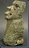 Klaus_Dona_statueta_semelhante_moai