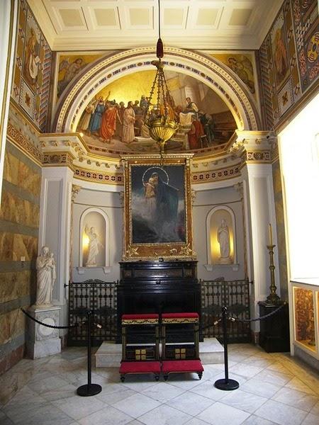 Corfu_Achilleion_chapel_autocorrected