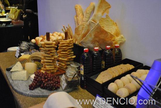 Acaci Cafe Buffet Acacia Hotel Manila 52