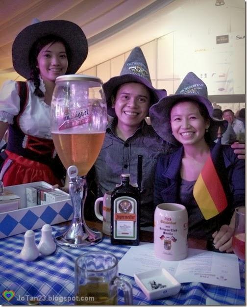 oktoberfest-2013-sofitel-costume-hats-jotan23