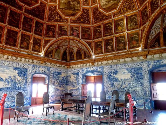 sala-de-los-escudos-palacio-nacional-sintra.JPG