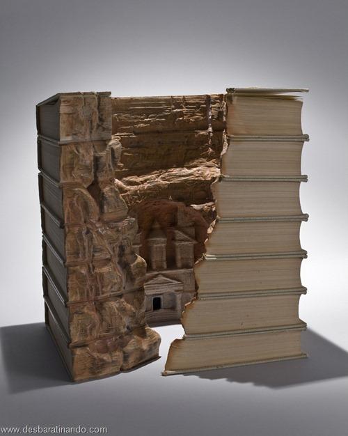 livros montanhas entalhados esculpidos desbaratinando (5)