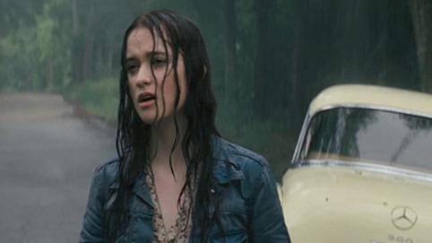 Lena bajo la lluvia en ese PEDAZO DE ESCENA DEL LIBRO