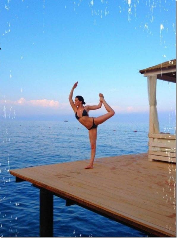 Dasha Astafieva fazendo Yoga (5)