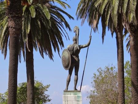 28. Statuia lui Ahile.JPG