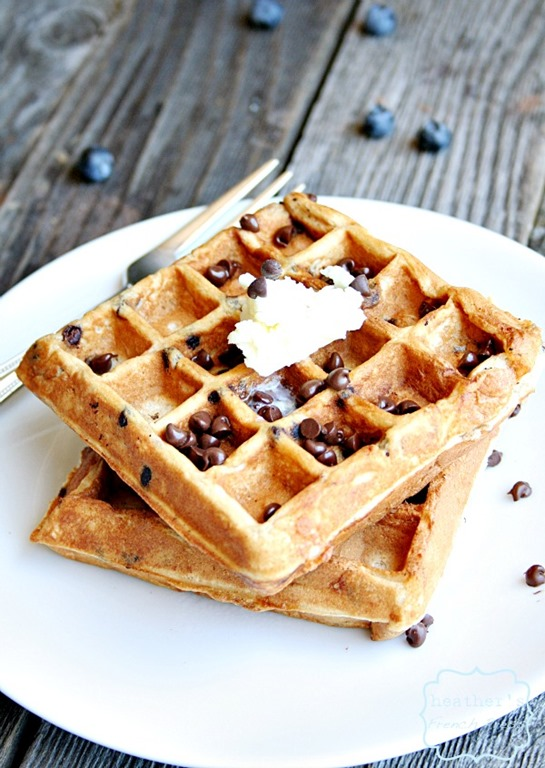 Greek-yogurt-smore-waffles