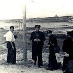 Б.Н. Апостоли осматривает линию обороны. 1941 г.