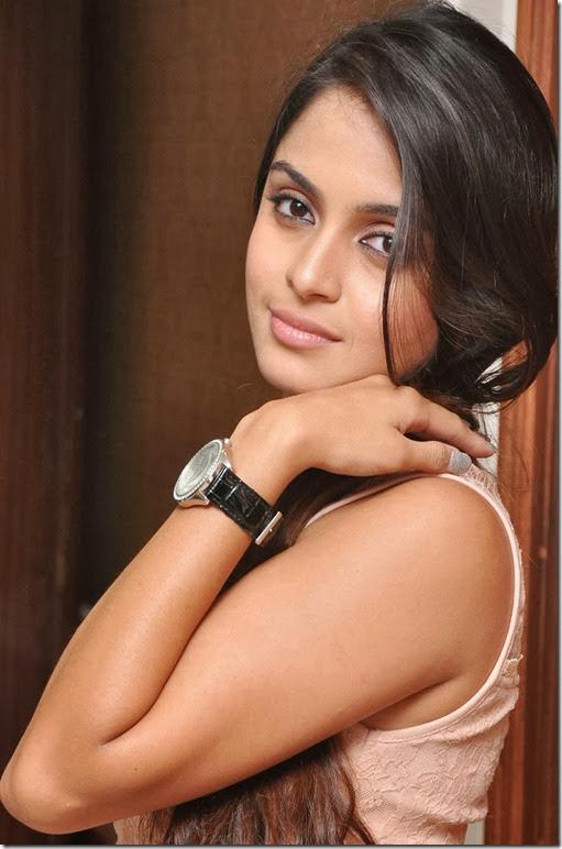 Actress_Sheena_Shahabadi_stills