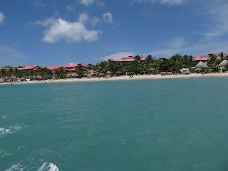 Cu barca prin Caraibe