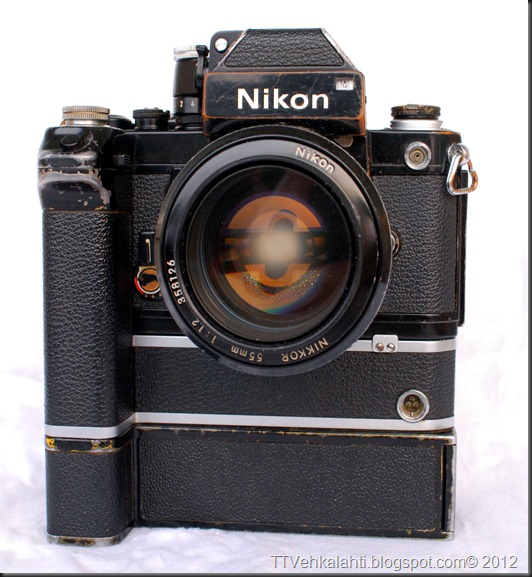 Nikon F2 sumukuvia 019