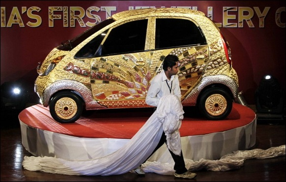 Indian-Car-Maker-Tata-Unveils-Gold-plated-Nano_06