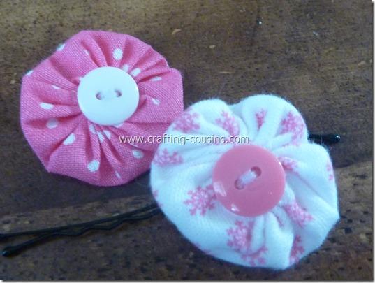 Crafty Cousins' tutorial for yo yo flower bobby pins (18)
