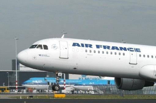 Δανεικά από τους επιβάτες ζήτησε η Air France