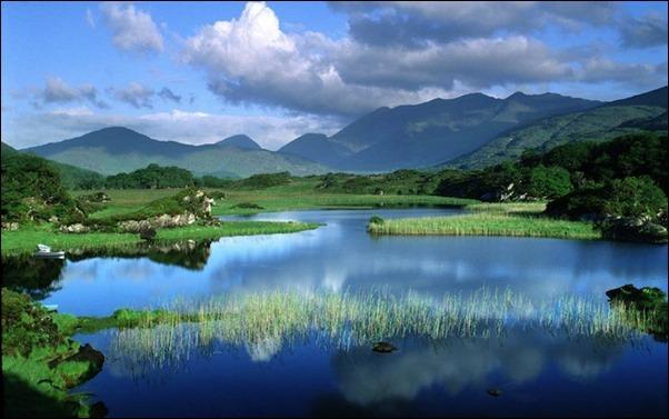 بحيرات جميلة