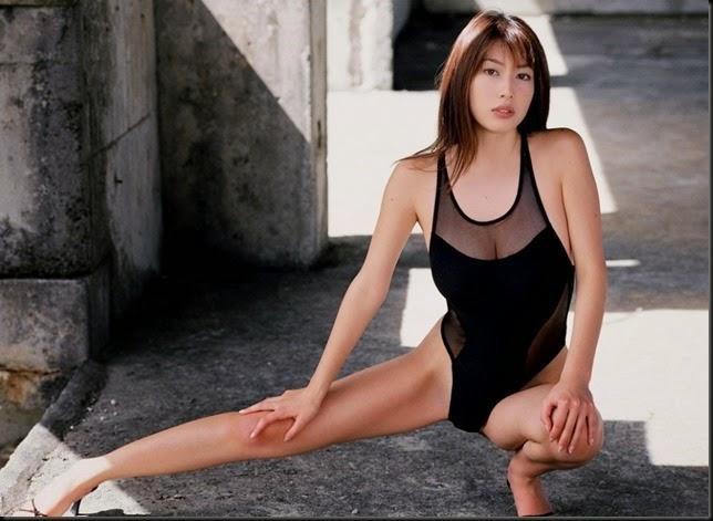 968full-emi-kobayashi (1)