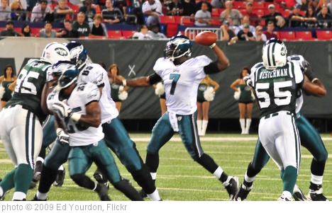 'Football: Jets-v-Eagles, Sep 2009 - 75' photo (c) 2009, Ed Yourdon - license: http://creativecommons.org/licenses/by-sa/2.0/