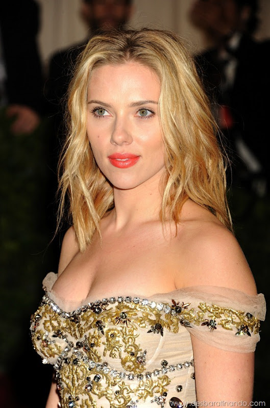 scarlett-johansson-linda-sensual-sexy-sexdutora-tits-boobs-boob-peitos-desbaratinando-sexta-proibida (1346)