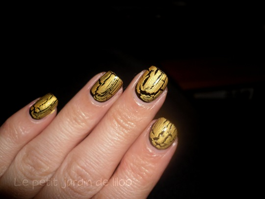 beautyuk-night-fever-gold-shatter-polish08