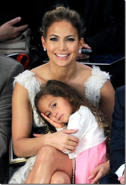 JLo sits front row Chanel Emme 6qHLhfAoG3kl