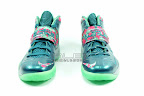 lebrons soldier7 power couple 01 web white The Showcase: Nike Zoom Soldier VII Power Couple (GitD)