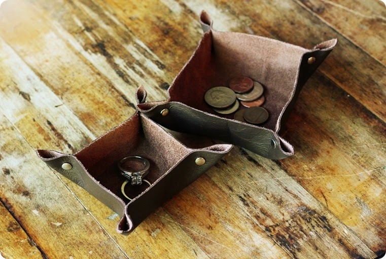 small leather trays for jewelry and coins