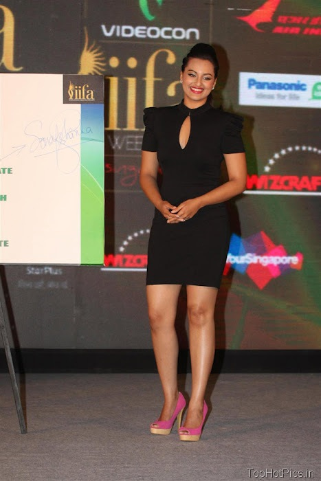 Sonakshi Sinha Hot in Black Short Dress Pics 3