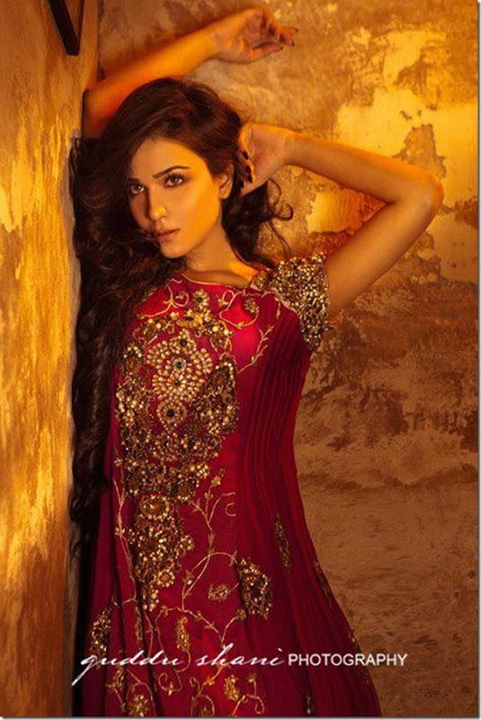 Nickie-Nina-Mughal-Raj-4