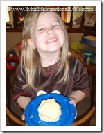 making homemade butter for preschoolers