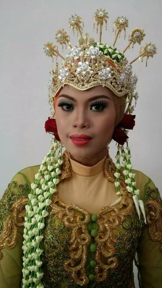 Naveela Beauty Muslimah: BELAJAR HIJAB ADAT SUNDA SIGER