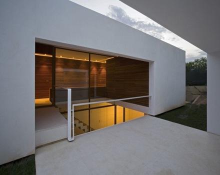 fachada-casa-minimalista-en-españa