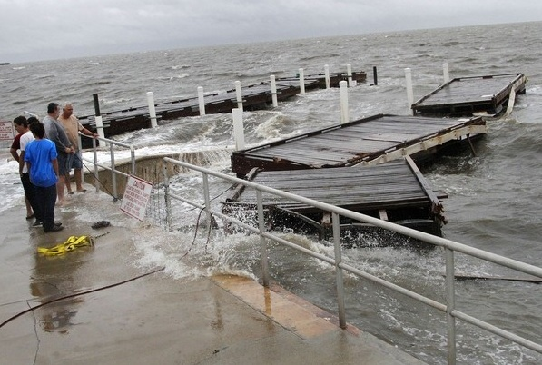 TS Debby in Cedar Key > The Gainesville Sun > Gainesville Sun Galleries > Photo 1 of 35 1