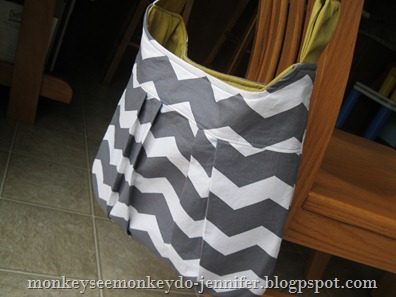 gray and yellow chevron pleated bag (9)
