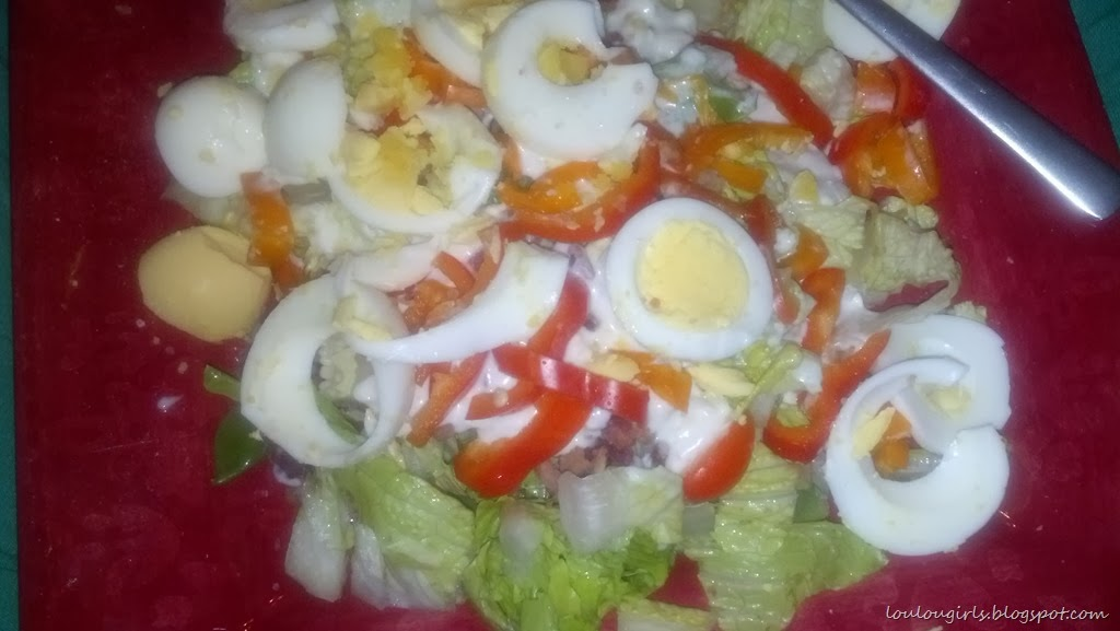 [Salad-red-bell-peppers-egg-sugar-snap-peas-and%2520bacon-bits%255B4%255D.jpg]