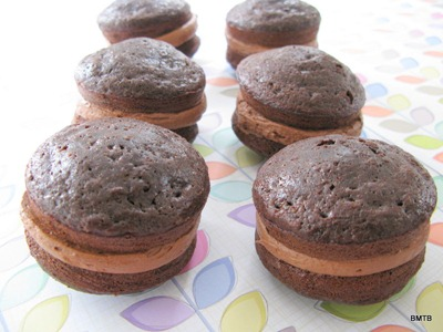 whoopie pies all lined up