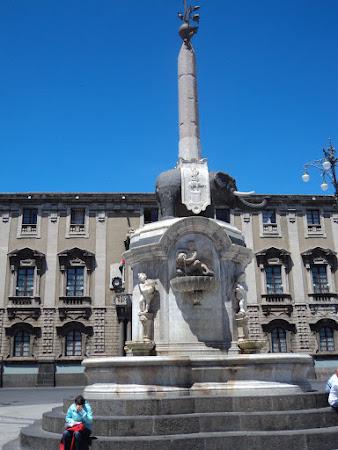 Imagini Italia: Catania-Elefantul protectorul orasului