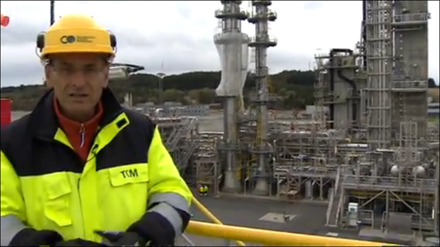 Roger Harrabin of BBC News visited the experimental Mongstat carbon capture technology centre in Norway in August 2013. In September 2013, the project was canceled. Photo: BBC News
