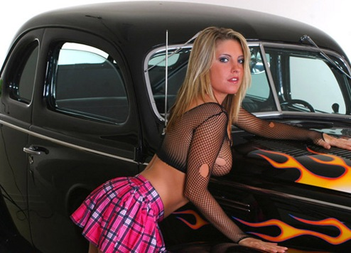 hot_women_and_cars_5
