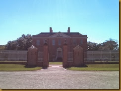 tryon palace entrance a