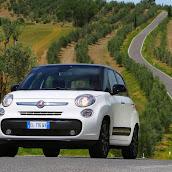 2013-Fiat-500L-MPV-Official-11.jpg