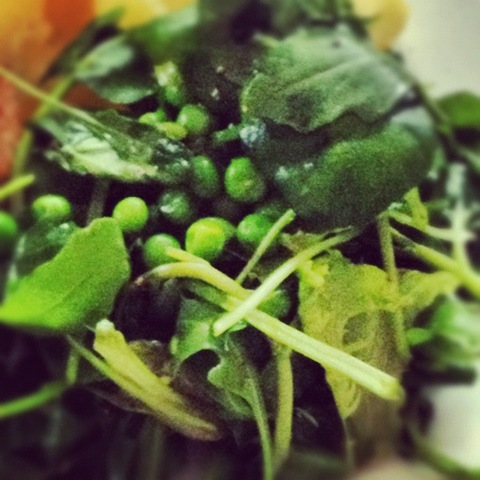#138 - spring salad of lamb's lettuce and garden peas