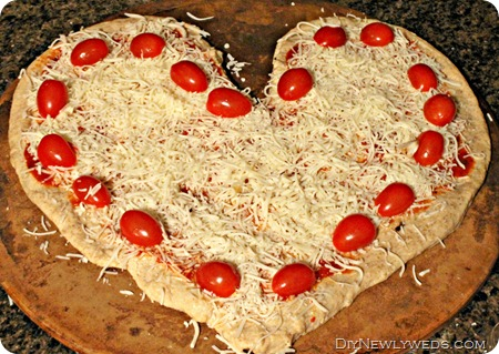 how-to-make-heart-shaped-pizza