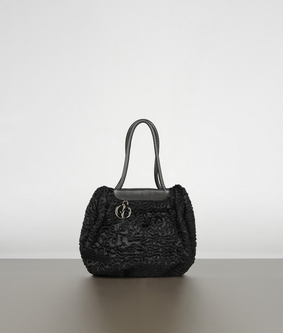 gucci backpacks online for women buy gucci luggage handbags online 729a85b667