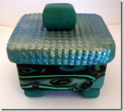 13 square green box side view