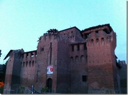 finale-emilia-crollo-castello[1]