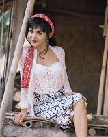 Yuni Shara 022