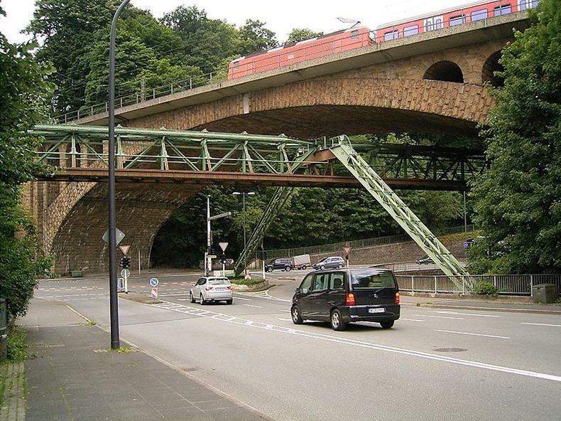 Wuppertaler-Schwebebahn-3