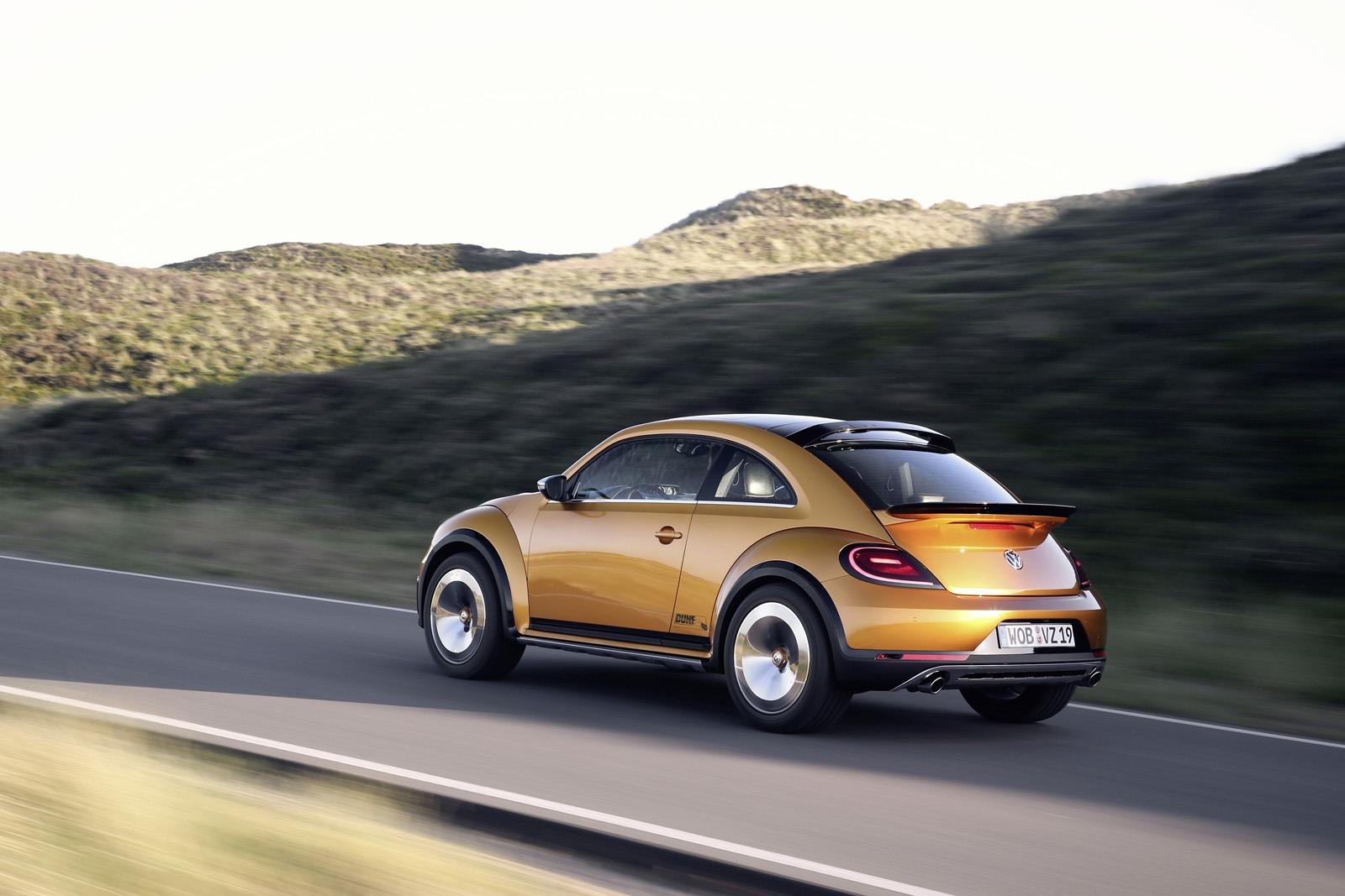 Volkswagen Beetle Dune Concept на дороге