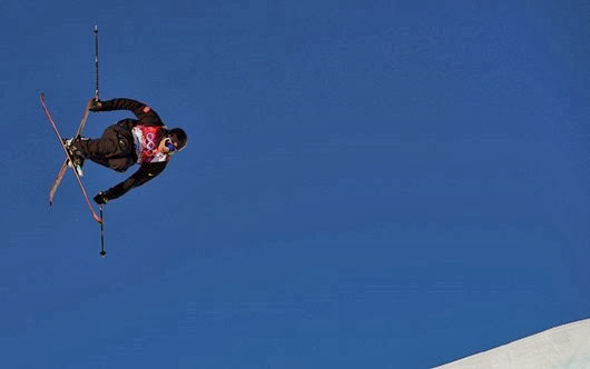 Norway's Andreas Haatveit performs a jump during the men's freestyle skiing slopestyle qualification round at the 2014 Sochi Winter Olympic Games in Rosa Khutor February 13, 2014. REUTERS/Dylan Martinez (RUSSIA  - Tags: SPORT SKIING OLYMPICS TPX IMAGES OF THE DAY)   ORG XMIT: OLYD008