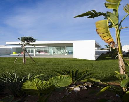 construccion-casa-de-arquitectura-minimalista